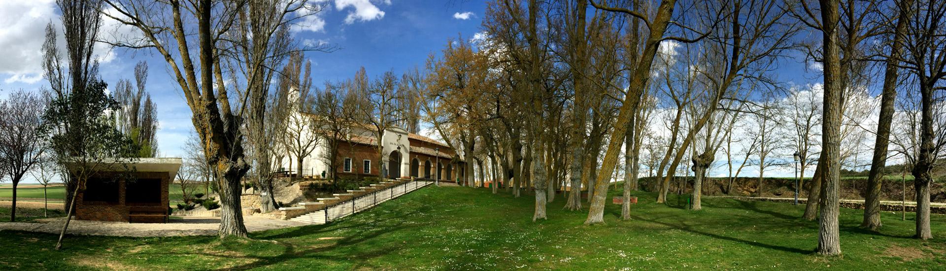 Lugares de interés en Paredes de Nava. Ermita de Carejas